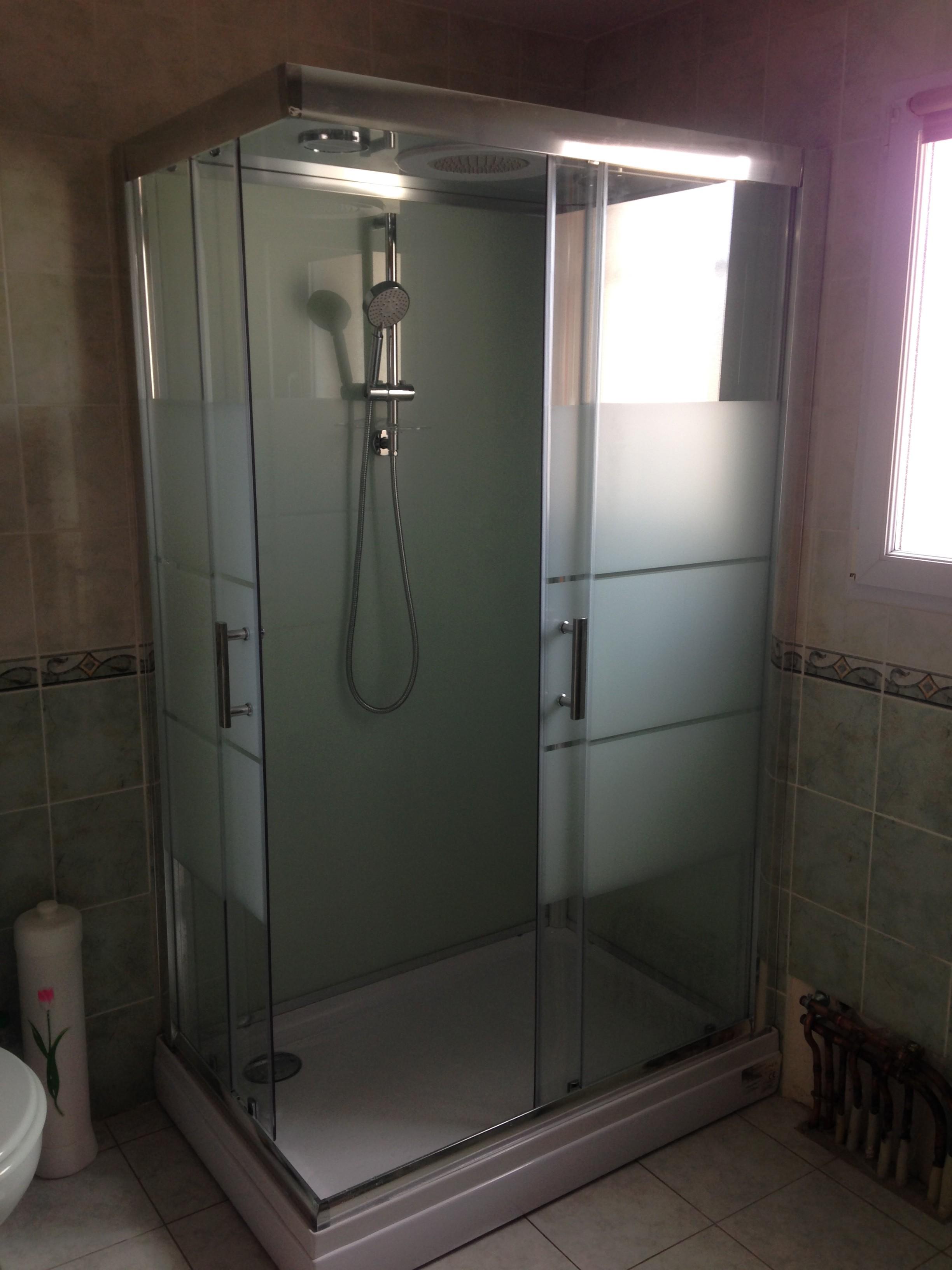 Pose d'une cabine de douche
